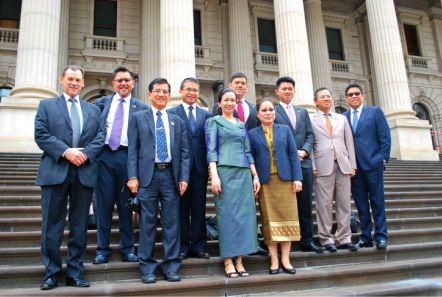 ASEAN_MPs_arrive_at_Victorias_Parliament_House